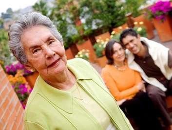 از چه راه هایی وارد شویم تا مادر شوهر علاقه به ما پیدا کند ؟